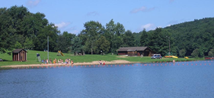Un projet de piscine naturelle au plan d 39 eau de vieure for Piscine montlucon
