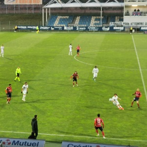 Le Clermont Foot bat Amiens (3-0) et retrouve la 2e place de Ligue 2